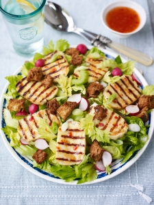 Sweet chilli, celery, radish and halloumi salad