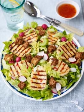 Sweet chilli, celery, radish and halloumi salad